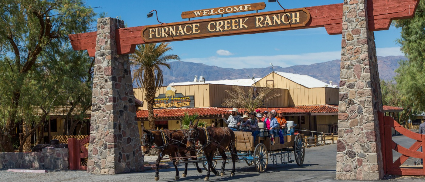 FC-Ranch-Entry-Arch-Wagon-2